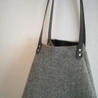 Bolso castaña de lana gris