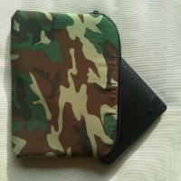 Funda para tablet o portátil de camuflaje verde