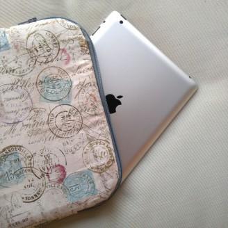 Funda para tablet o portátil de sellos