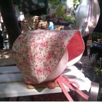 Gorro para niña jardin floral