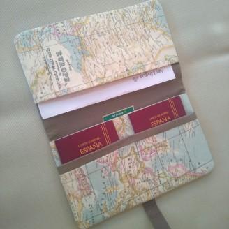 Portadocumentos mapamundi (interior marrón)